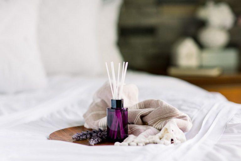 Cách khử mùi hôi trong phòng